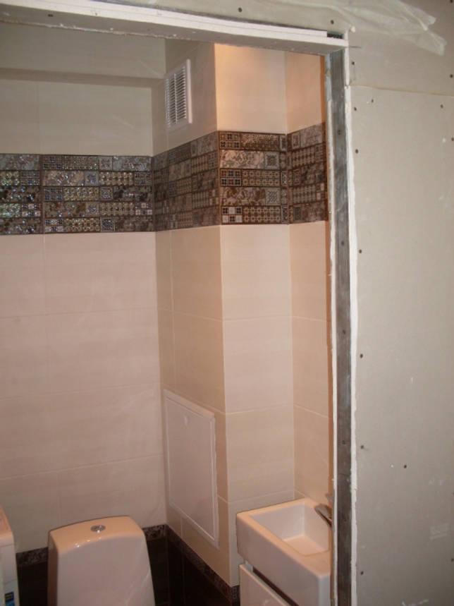 Необычный вариант объединения туалета и кладовки с реечным потолком