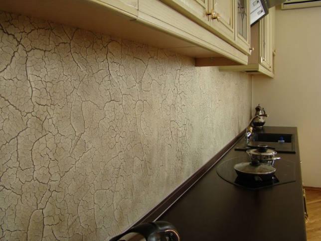 Каменный фартук в современной кухне