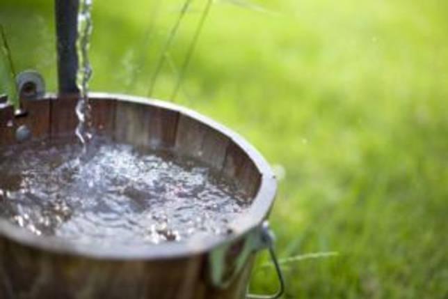 Ведро воды из колодца