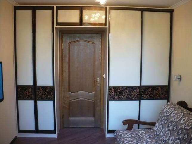 шкаф вокруг дверного проёма варианты