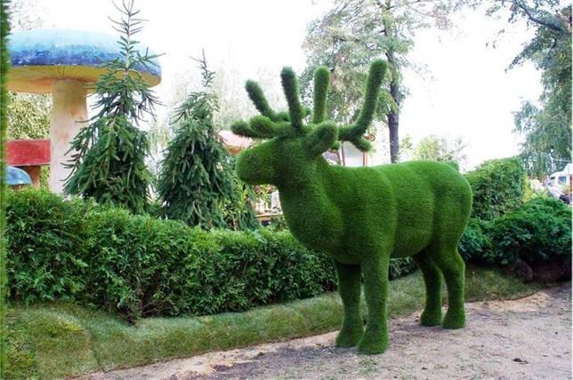 Садовая фигурка олень